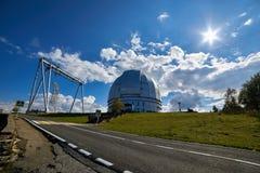 O BTA Telescópio ótico do grande telescópio Altazimuth no obervatório astrofísico especial imagens de stock royalty free