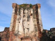 O buddha quebrado no parque histórico de Sukhothai Fotos de Stock Royalty Free