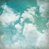 O céu azul com nuvens, fundo Imagens de Stock