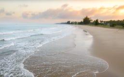 O céu bonito do borrão sobre o mar Imagem de Stock