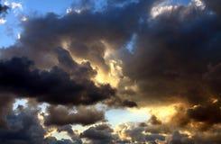 O céu coberto com as nuvens Imagem de Stock Royalty Free
