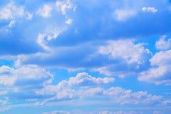 O céu com branco nubla-se o fundo 171019 0193 Fotografia de Stock