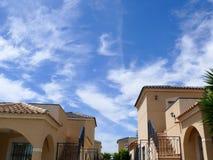 O céu da construção da paisagem nubla-se a fonte de água do mar 3 foto de stock royalty free