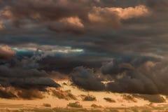 O céu e as nuvens Fotografia de Stock Royalty Free