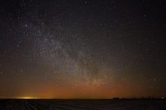 O céu noturno real natural Stars a textura do fundo Fotografia de Stock