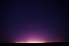 O céu noturno real natural Stars a textura do fundo Imagens de Stock