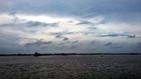 O céu olha bonito antes de chover fotos de stock royalty free