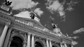 O céu sobre Lviv fotografia de stock