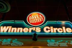O círculo do vencedor de Dave & de imbecil Imagem de Stock Royalty Free