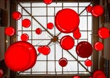 O círculo vermelho deu forma a lanternas imagens de stock royalty free