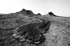 O córrego endurecido bonito do vulcão da lama imagem de stock