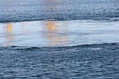 O córrego no mar Fotos de Stock Royalty Free