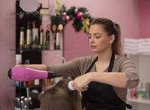 O cabelo é parte de uma mulher como a joia a mais bonita fotos de stock