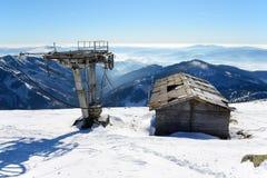 O cabo aéreo velho em Chopok em Jasna Low Tatras fotografia de stock royalty free