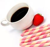 O café das cookies da morango significa o café e o Decaf da cafeína imagens de stock royalty free