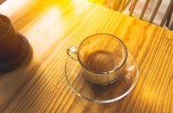 O café do cappuccino da manhã, bebe para fora Fotos de Stock Royalty Free