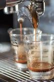 O café fresco está vindo Fotografia de Stock Royalty Free