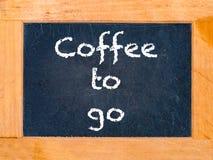 O café a ir placa Imagens de Stock Royalty Free