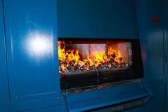 O caixão com esteja no fogo imagens de stock royalty free