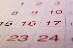 O calendário está na tabela Imagens de Stock