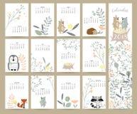 O calendário mensal bonito colorido 2018 com selvagem, fox, carrega, jaritataca, pasto imagens de stock