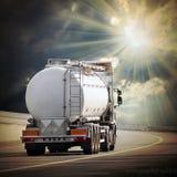 O caminhão de petroleiro Fotografia de Stock Royalty Free