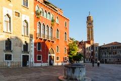 O Campanile da igreja de Sant Aponal até 1810, mais tarde uma prisão, é hoje arquivo Imagens de Stock Royalty Free