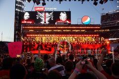 O campeão Brock Lesner de WWE entra na arena Imagens de Stock Royalty Free