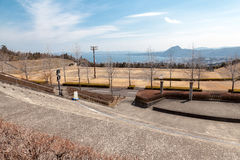 O campo atlético principal da universidade de Ritsumeikan Asia Pacific em seja foto de stock royalty free