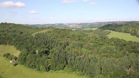 O campo inglês bonito das vistas impressionantes o Wye do vale e do rio do Wye entre Herefordshire e Gloucestershire filtra filme