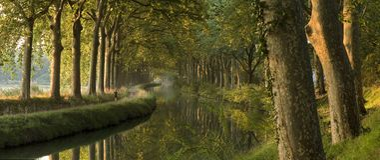 O canal du Midi na manhã (panorama) Foto de Stock Royalty Free