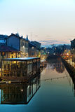 O canal grandioso de Naviglio em Milão, Itália Foto de Stock Royalty Free