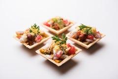 O Canape ou o canapé friável são um menu indiano do bate-papo fotos de stock royalty free