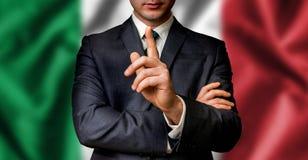 O candidato italiano fala à multidão dos povos fotografia de stock royalty free