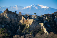 O Canigou em Pyrenees durante o inverno Foto de Stock
