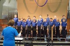 O cantantes del coro de los niños Foto de archivo libre de regalías