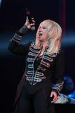O cantor Irina Allegrova executa na fase durante concerto do aniversário do ano de Viktor Drobysh o 50th em Barclay Center Fotos de Stock