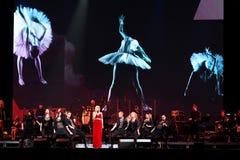 O cantor Valeria executa na fase durante concerto do aniversário do ano de Viktor Drobysh o 50th em Barclay Center Fotos de Stock Royalty Free