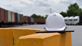 O capacete de segurança projetou trabalhar Foto de Stock Royalty Free