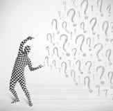 o caráter 3d humano é terno do corpo que olha a pergunta tirada à mão m Imagens de Stock
