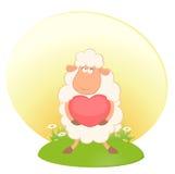O carneiro engraçado dos desenhos animados prende um coração Imagens de Stock