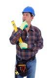 O carpinteiro está pensando Imagem de Stock