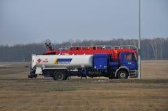 O carro de bombeiros do aeroporto Fotos de Stock