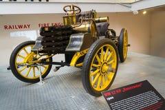 O carro de competência do nanowatt 12 HP está desde 1900 no museu técnico nacional Fotografia de Stock