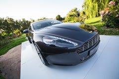 O carro desportivo ultra luxuoso fica exterior em Ucrânia (exterior) Foto de Stock