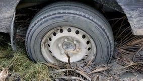O carro furou na lama Imagem de Stock Royalty Free