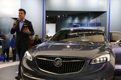 O carro luxuoso de Buick é introduzido na feira automóvel Foto de Stock