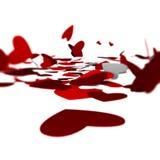 O cartão de papel vermelho do dia de Valentim dos corações grampeou em corações vermelhos do dia branco dos backgroundValentines  Imagem de Stock Royalty Free