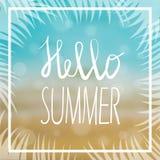 O cartão de verão com fundo e rotulação do mar projetou o texto Ilustração do vetor Fotos de Stock Royalty Free