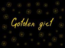 O cartão do dia do ` s de St Patrick com o trevo da proposta do ouro sae e texto no fundo preto Inscrição - menina dourada Fotos de Stock
